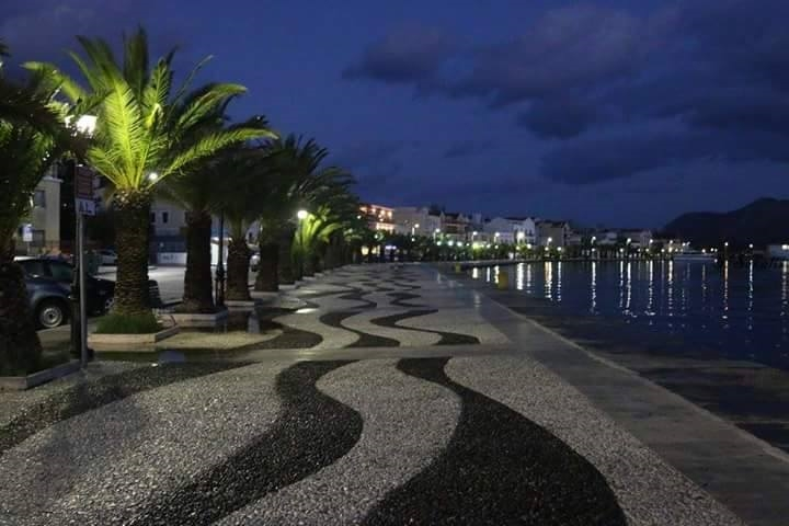 Argostoli at night
