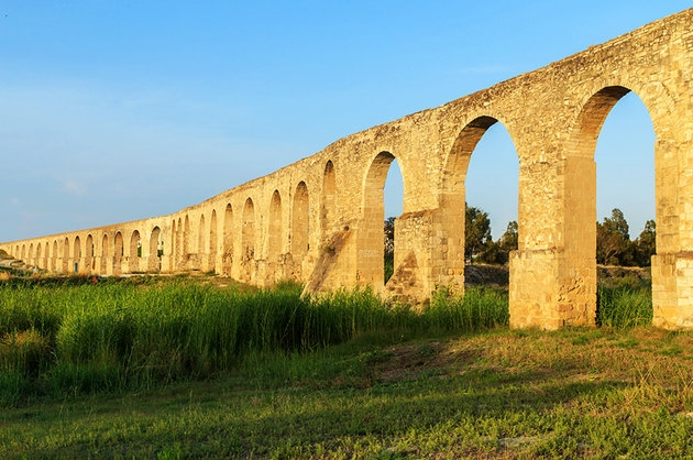The Arches are the most characteristic point of the old aqueduct